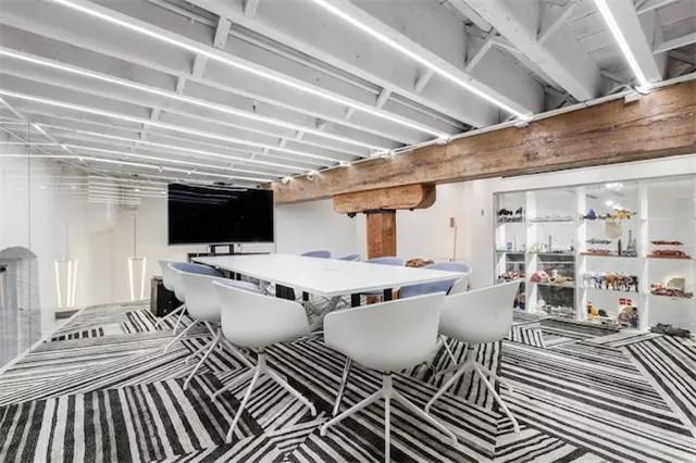 时尚设计工作室会议室装修实景图