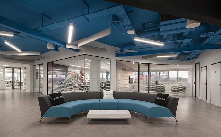 现代风软件公司办公室装修案例