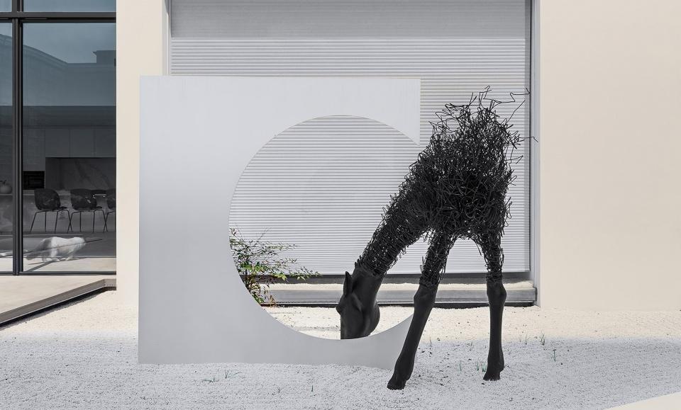 郑州宏钰堂办公装修公司推荐黑白灰极致美感办公设计方案