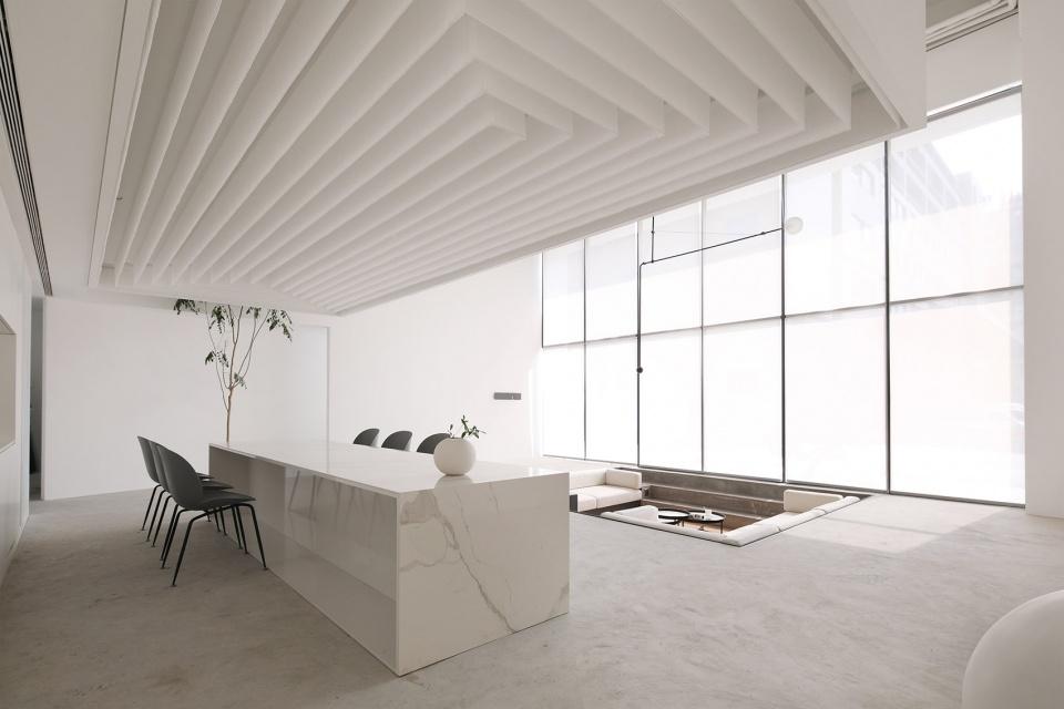 纯白简约办公室装修设计实景图
