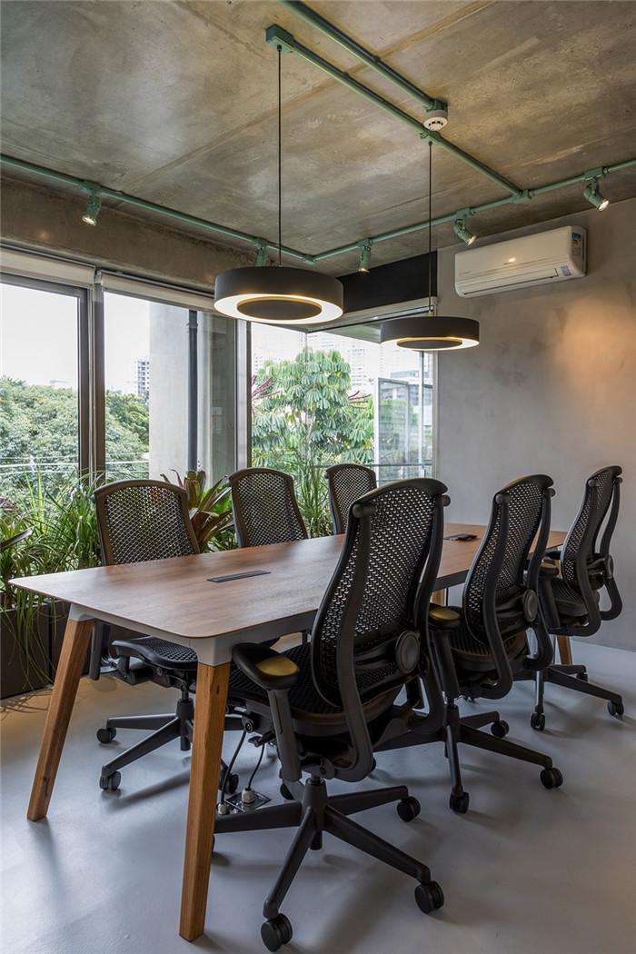 城市丛林主题工业风绿色环保办公室装修设计案例