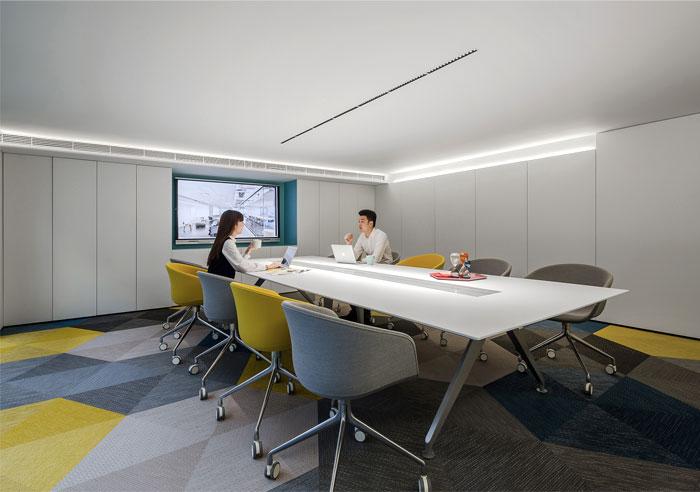 时尚办公室会议室装修设计方案