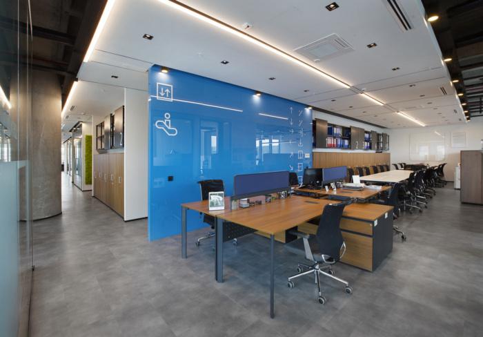 简约又实用的三菱电机分公司办公室装修设计图