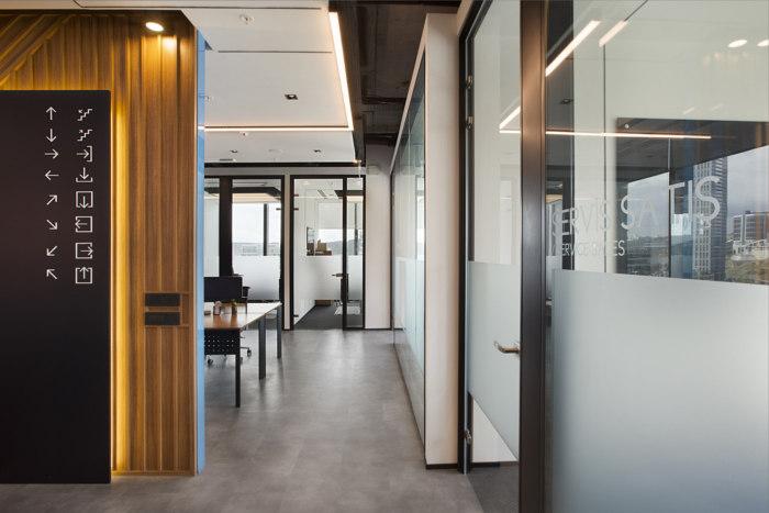 办公室玻璃隔断装修设计方案