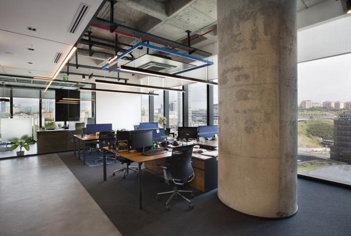 裸顶开放式办公区装修设计图