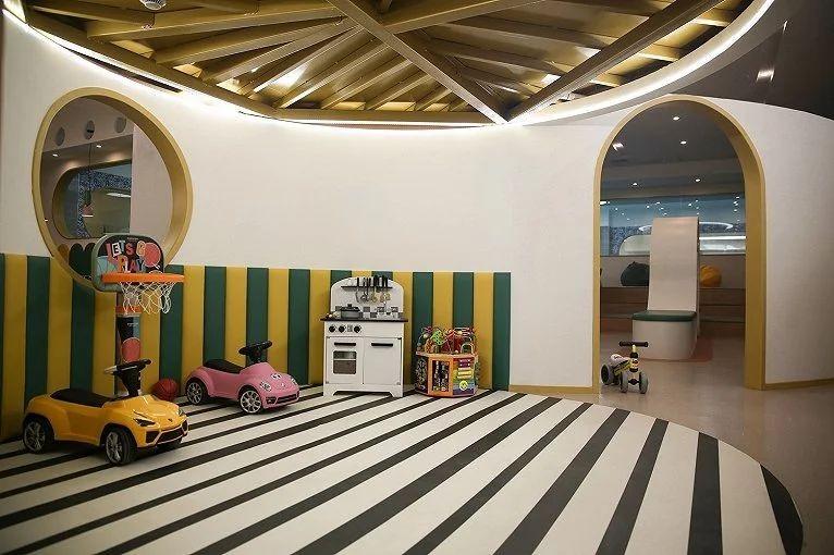 郑州宏钰堂推荐嗨獭獭亲子早教游泳中心装修设计案例