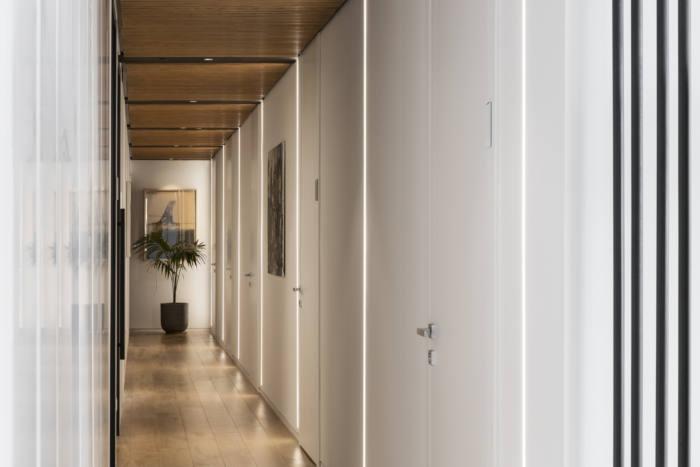律师事务所长走廊装修设计实景图
